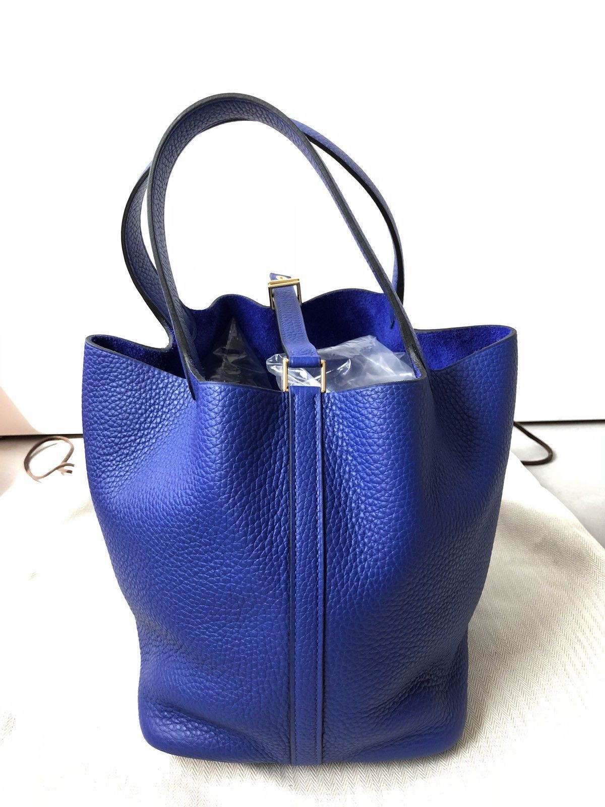 7a254b8ccd25 ... switzerland hermes picotin lock bag 22cm mm electric blue with gold  hardware handbag tote 92588 56e35