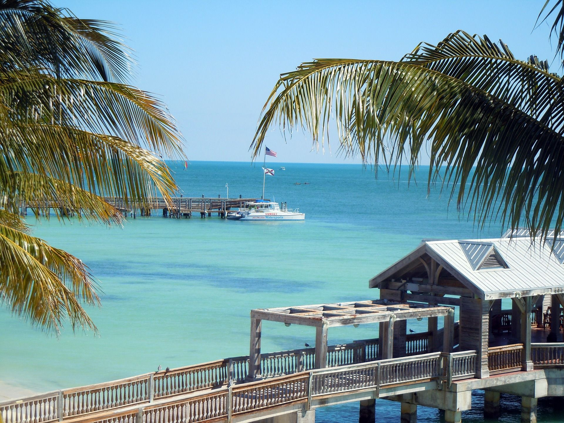 Top 10 Honeymoon Destinations In The United States Widest Best Places To Travel Cheap Beach Vacations Beautiful Places To Visit