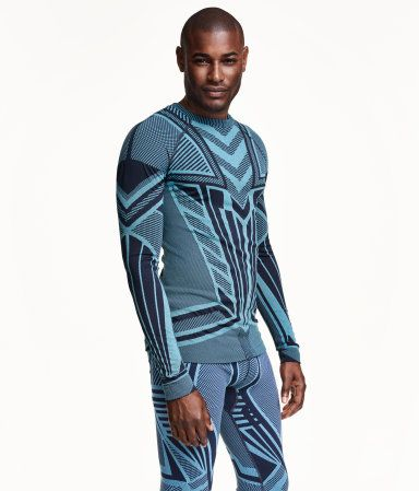 Jacquard-patterned base layer top in fast-drying functional fabric. Tight fit. Seamless.