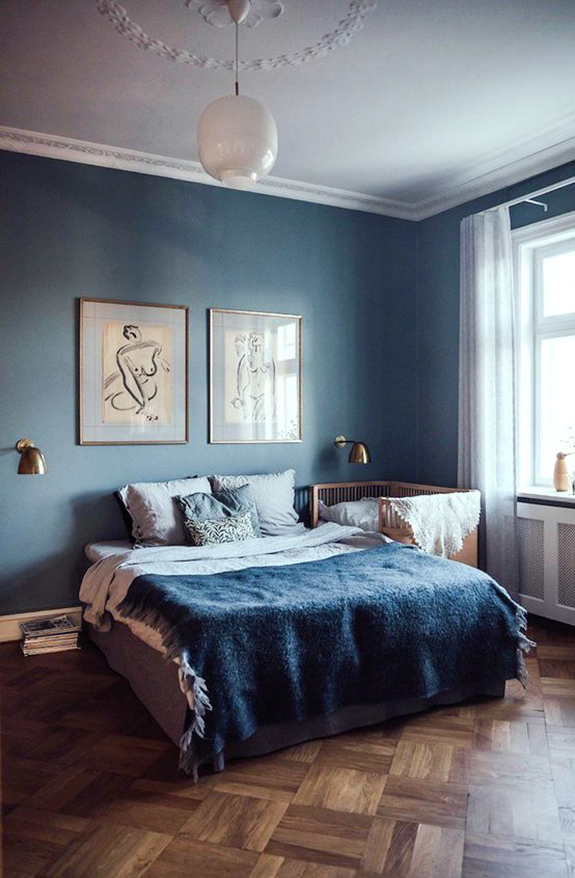 Pantone Color Of The Year Classic Blue Vintage Bedroom
