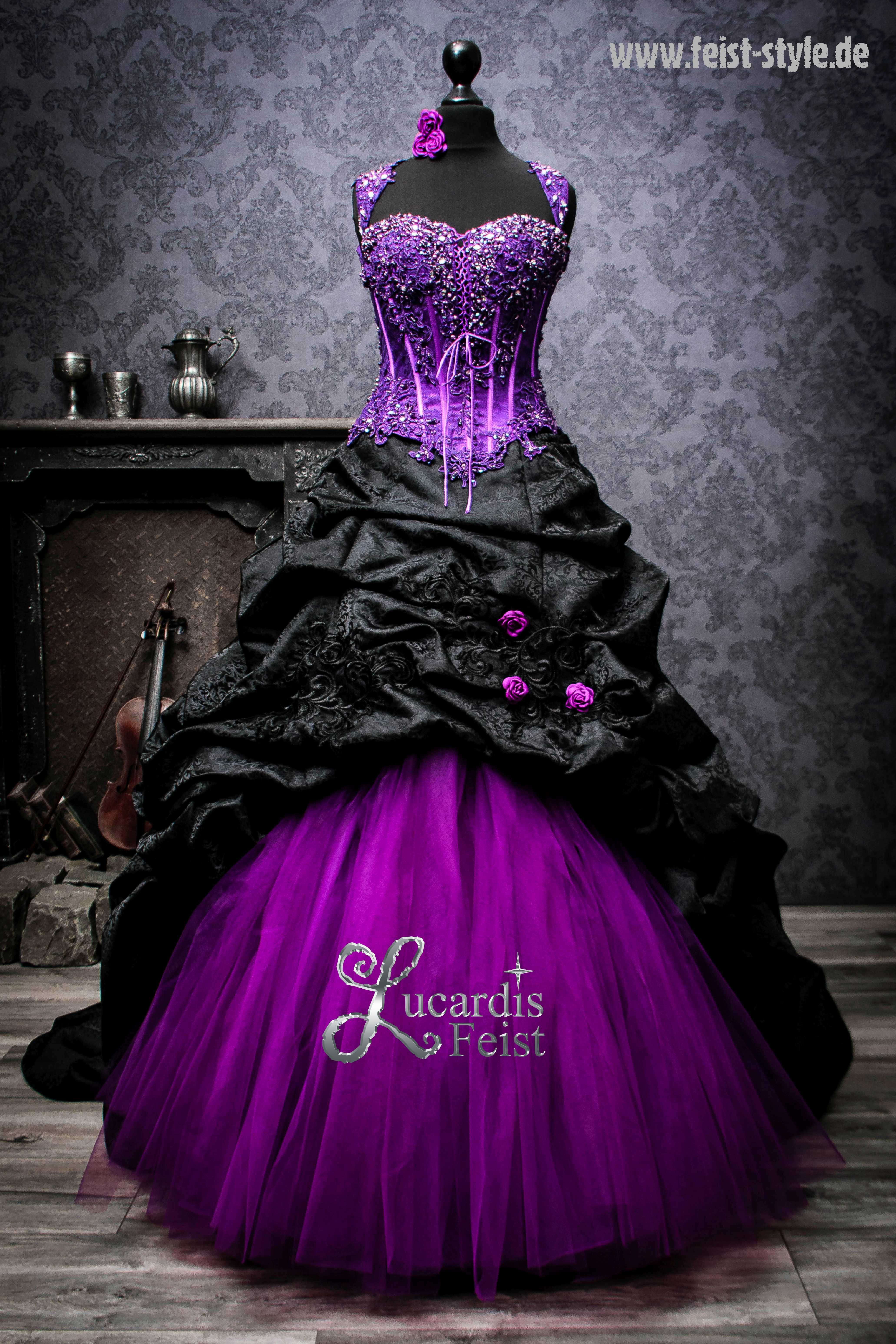 Violettes Brautkleid von Lucardis Feist - Dark Cou in 14