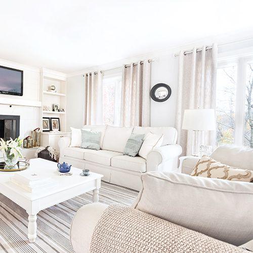 Un cocon douillet au salon les grandes surfaces blanches les meubles blancs ou beiges