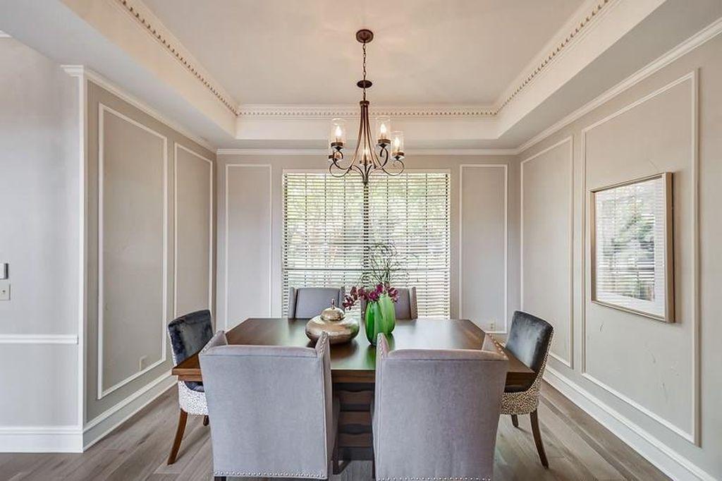 Loving this minimal dining area for our clients showing!  #home #homesweethome #dallastexas #dallastx #dallasinterior #dallashomes #dallashome #luxuryhomedallas #dallasluxuryhomes #igdallas #dallasinteriordesign #interiordecor #interiordecorator #dallasstyle #homestyle #interiorstyle #interior4all #homedecor #homedecorating #homedecor #homestaging #dallashomestaging #dfwrealtor #realtor #dfwrealty
