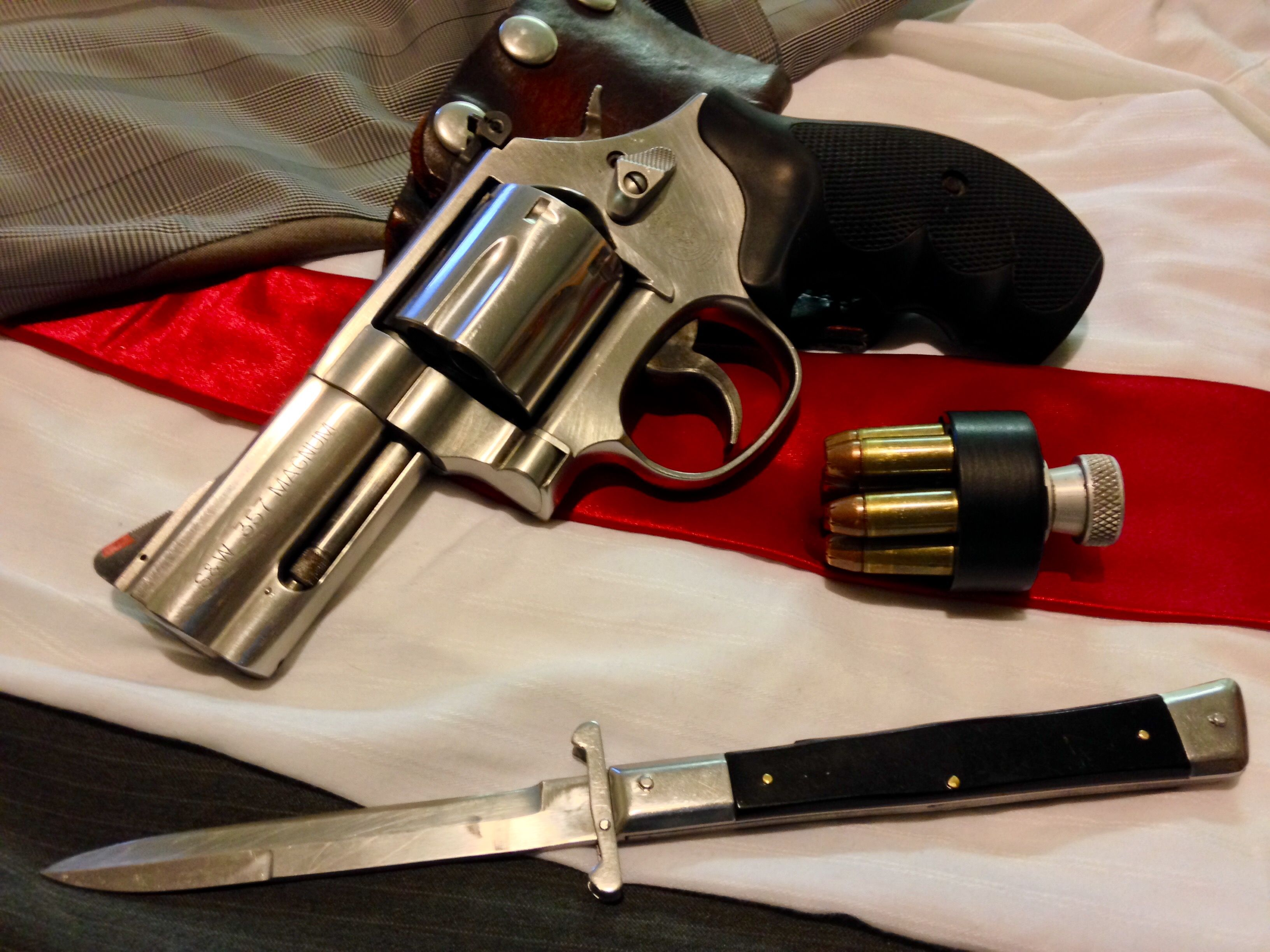 Smith And Wesson 686 Plus A 60s Japan Stiletto Non Automatic Knife Reload