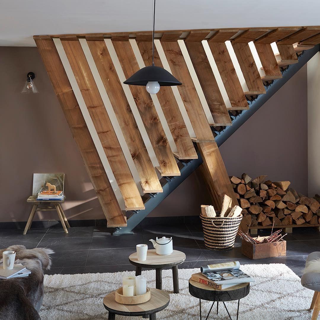 Tout De Bois Vetu Un Escalier Sculpture Comme Une Charpente De Bateau Avec Un Peu D Imagination Et De Savoir Faire Escalier Habillage Escalier Escalier Bois