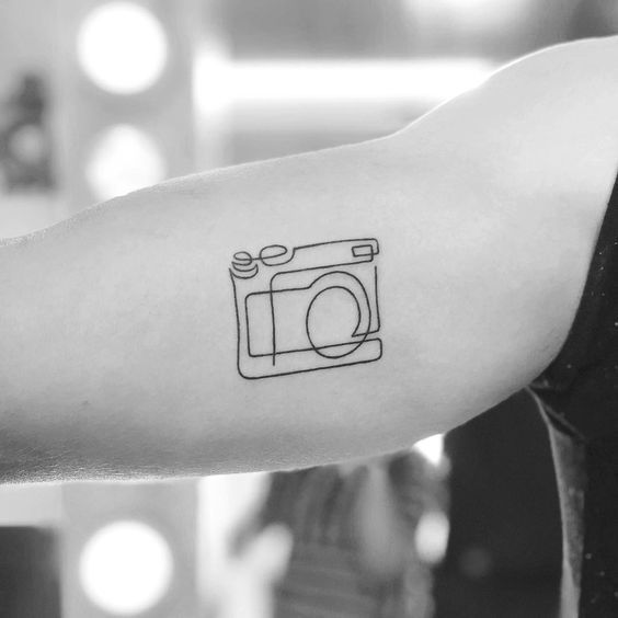 Photo of 27 sinnvolle Tattoos für Introvertierte –  Diese subtilen und kleinen Tattoo-Id…