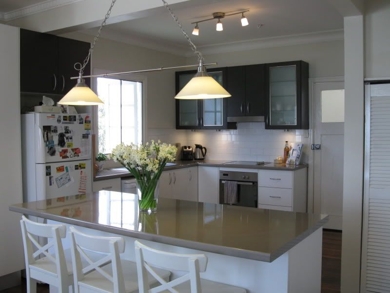 Superb Love The Bench Tops With The White And The Stools