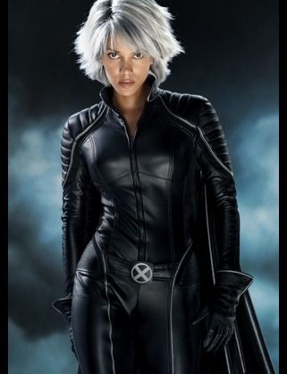 I Actually Like Her More With Short Hair Halle Berry Storm Storm Costume Halle Berry