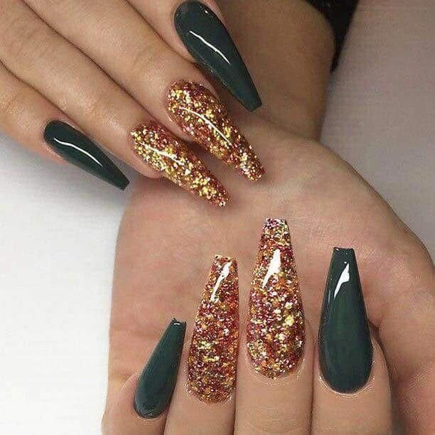 Forest Green And Gold Coffin Nails Acrylicnaildesigns Green Nails Gorgeous Nails October Nails