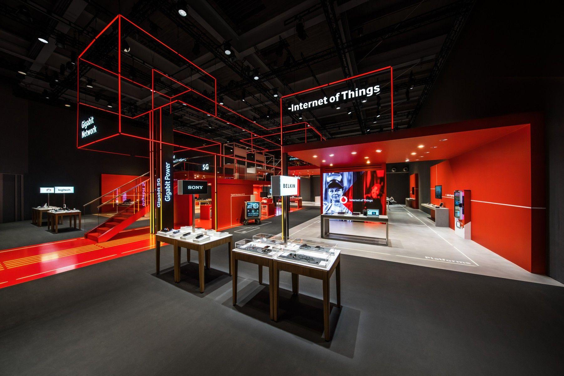 PIXEL LINE NETWORK ‹ KINETIC LIGHTS | Exhibition design ...