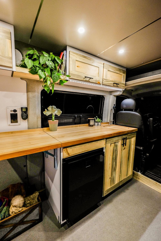 Ponderosa Custom Van Builder Vanlife Customs With Images