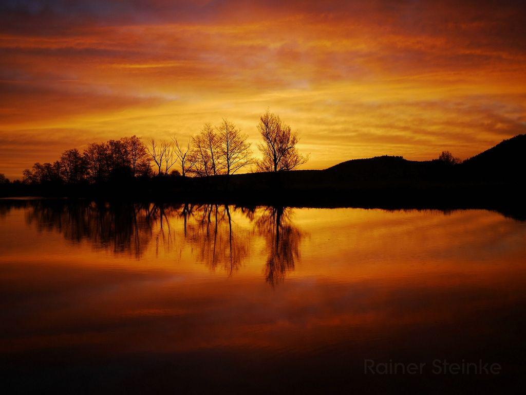 Beginn und Ende Sonnenaufgang und Sonnenuntergang. Beginn ...
