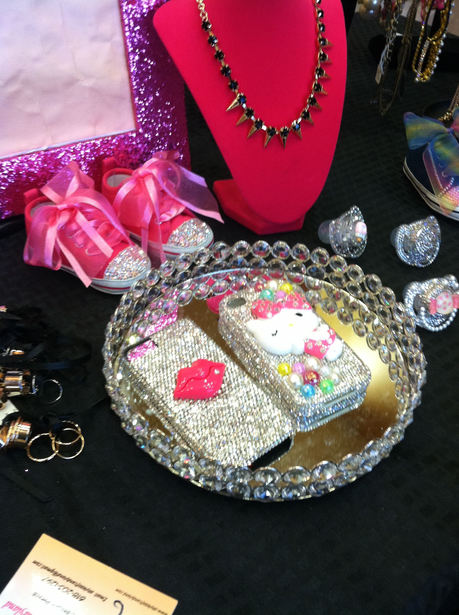 Bling cell phone cases! too cute. Check It out @ www.stylesofcandyland.com Happy Shopping!