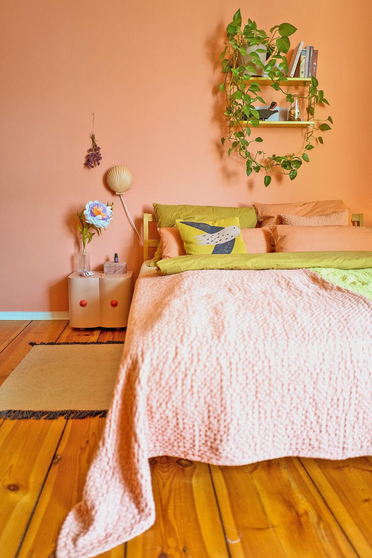 Farbfreude Schlaf Arbeitszimmer In Koralle Kolorat In 2021 Zimmer Warmes Schlafzimmer Schlafzimmer Farben
