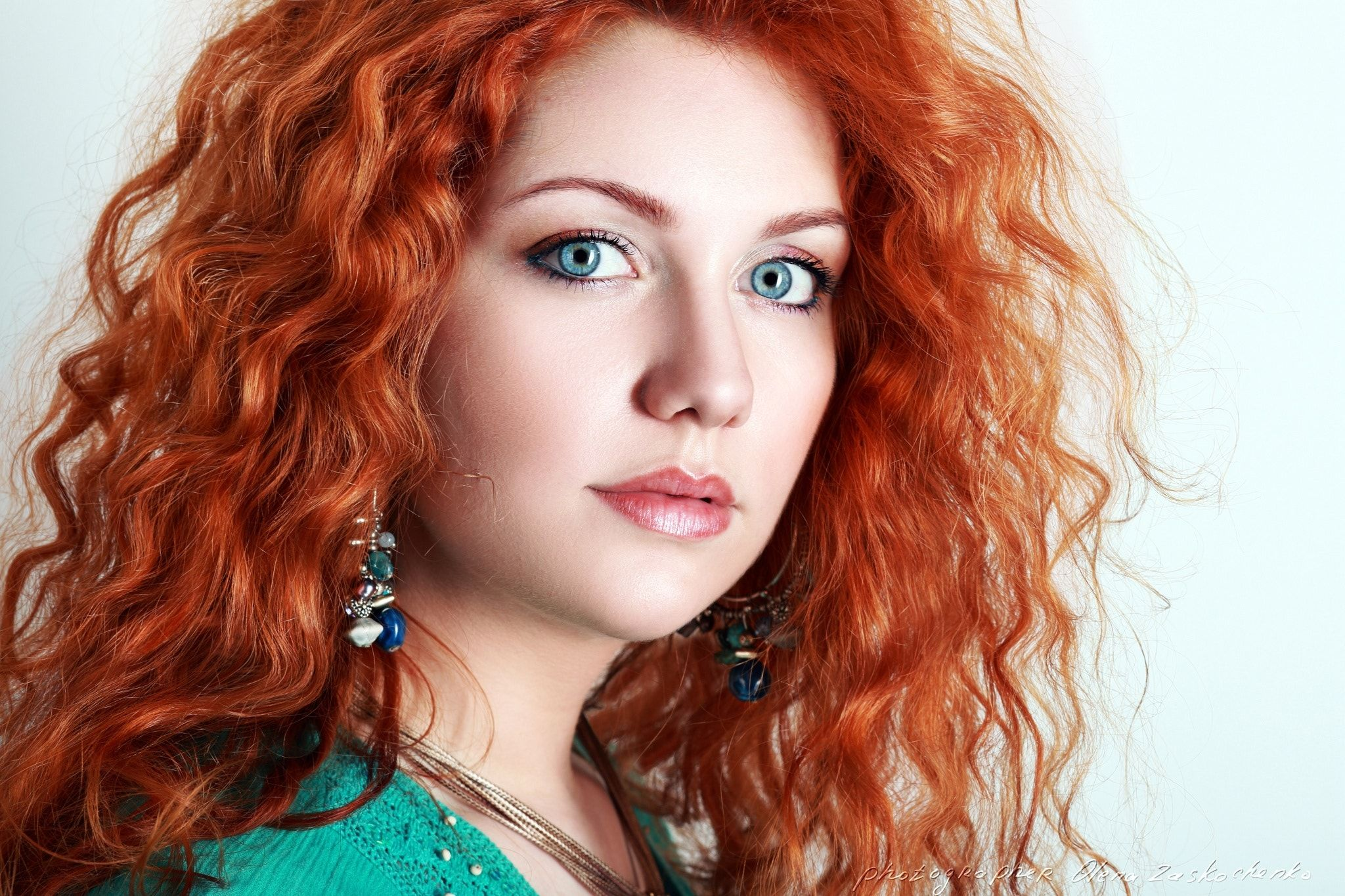 Backgrounds women with red hair and blue eyes of pc hd pics young woman portrait a eyes