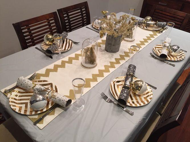 NEW 192 TABLE RUNNER KMART | Christmas table settings ...
