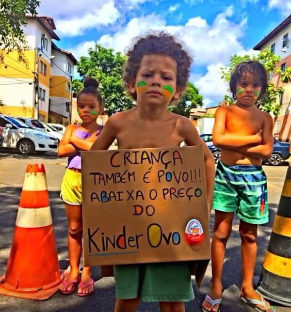 Queria deixar aqui meu protesto. Tchau Dilma.