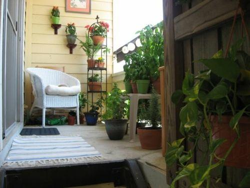 Balkon Pflanzen u2013 coole platzsparende Ideen - balkon pflanzen - balkon ideen blumenkasten gelander