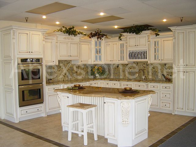 Cabinet-Antique White/Kitchen Cabinet/Solid Wood Cabinets/Faucets