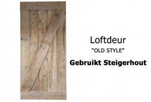 De loftdeur van gebruikt steigerhoutis verkrijgbaar in verschillende maten en ...