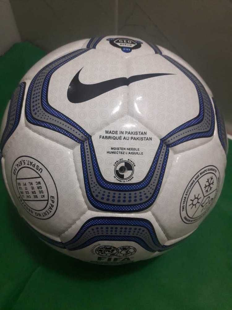 cheaper store new product NIKE GEO MERLIN BALL CHAMPIONS LEAGUE 00/01 (eBay Link ...