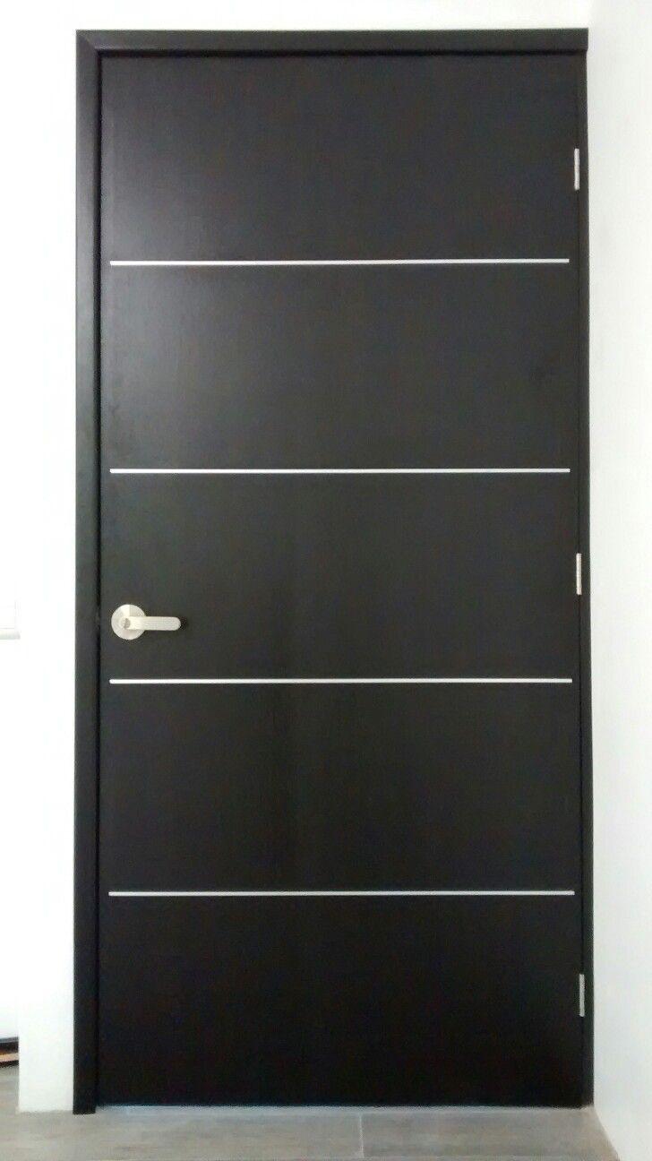 Puerta de tambor minimalista acanto carpinter a fina for Puertas de madera minimalistas