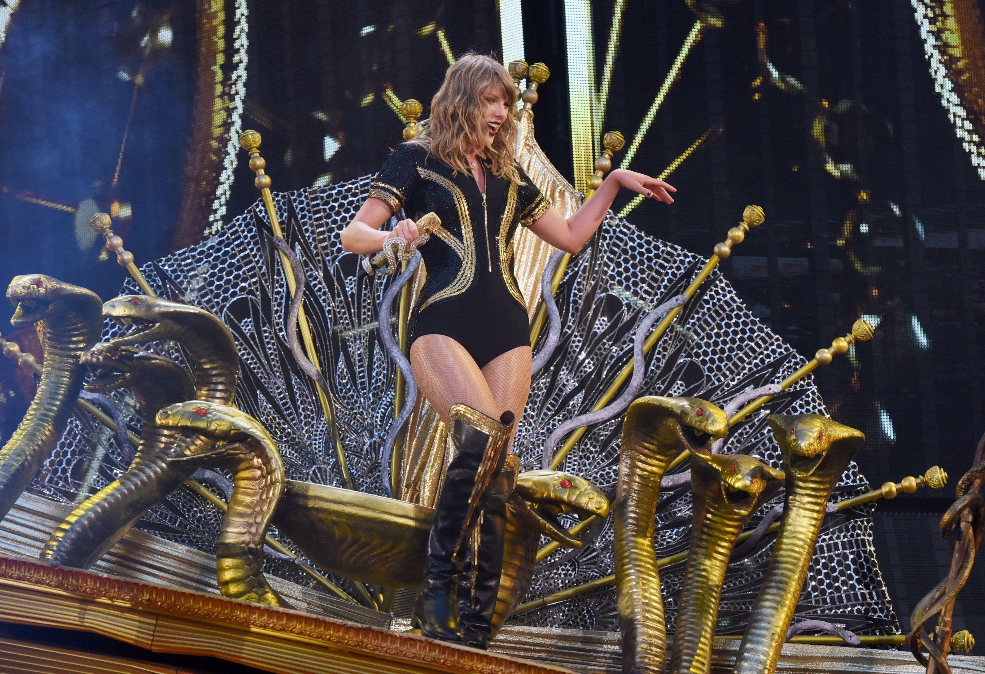 Taylor swift concert, Taylor swift music, Taylor swift ...