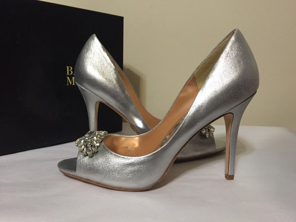 e67e174da45 Badgley Mischka Lavender Silver Metallic Suede Women s Evening Heels Pumps  7.5 M  BadgleyMischka  FashionDressyEveningHeelsPumps   ...