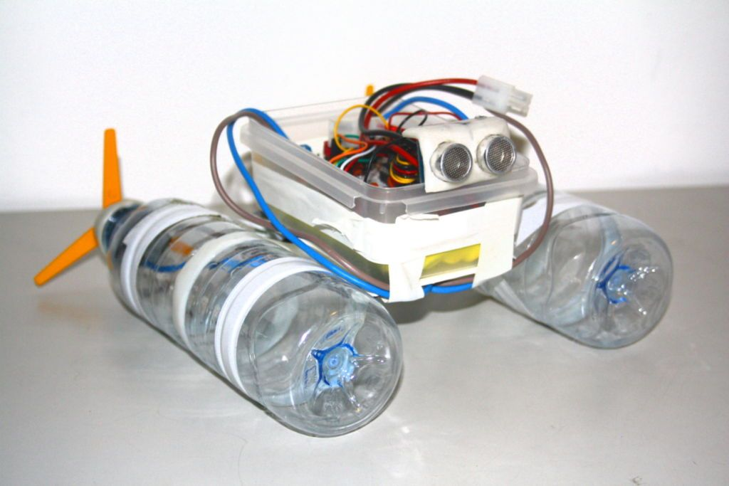 Build A Robot Boat Using Water Bottles Homemade Robot Build A Robot Diy Robot