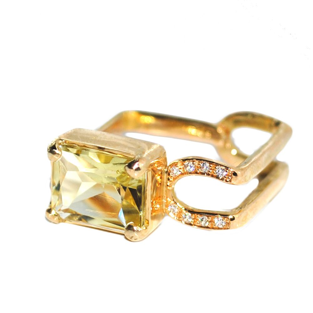 The Charm Of Exclusive Gemstones Lemon Quartz And Diamonds Ring Quartz  Engagement