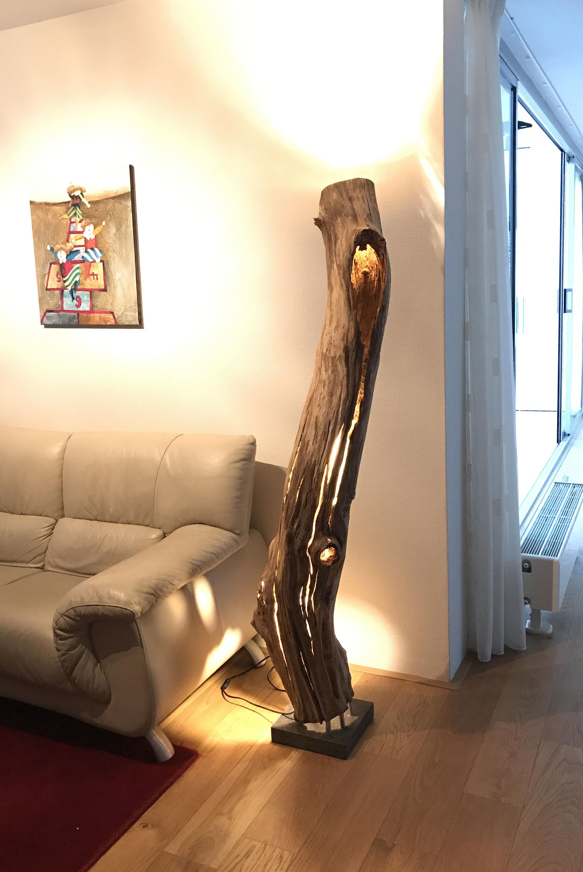 Floor Lamp Of Weathered And Old Hollow Oakwood Branch Stehlampe