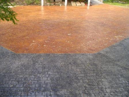 Encuentro de pavimentos de hormig n estampado en adoqu n - Pavimento de corcho ...