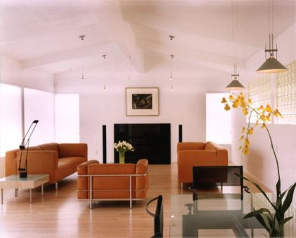 Investing In Iconic Pieces Interior Interior Decorating Sofa Styling