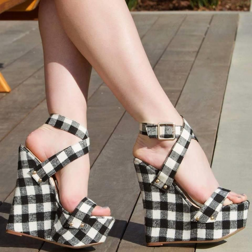 Shoespie Sweet Plaid Buckle Decorated Wedge Sandals
