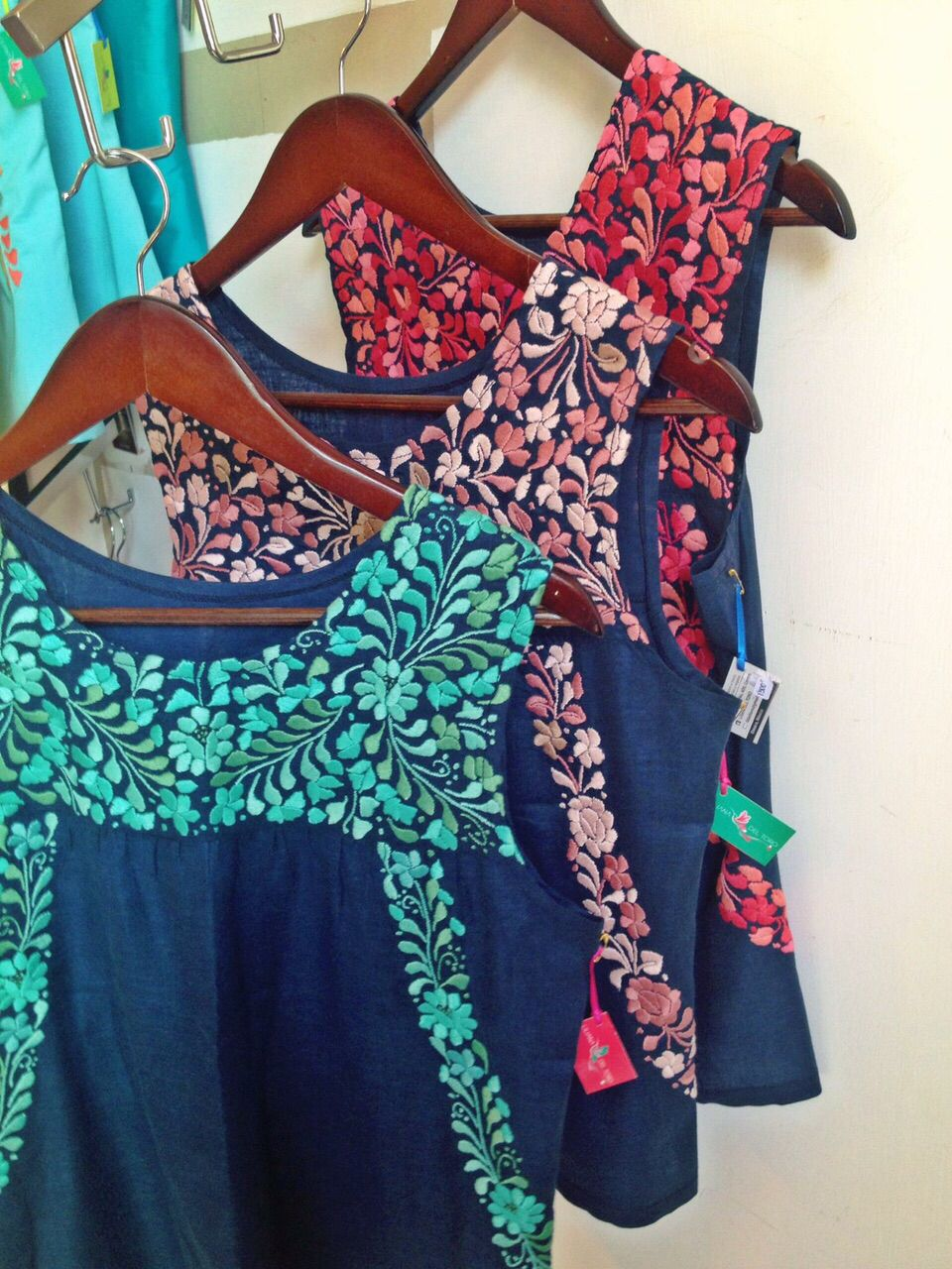 Bordados oaxaqueños | blusas | Pinterest | Embroidery, Mexicans and ...