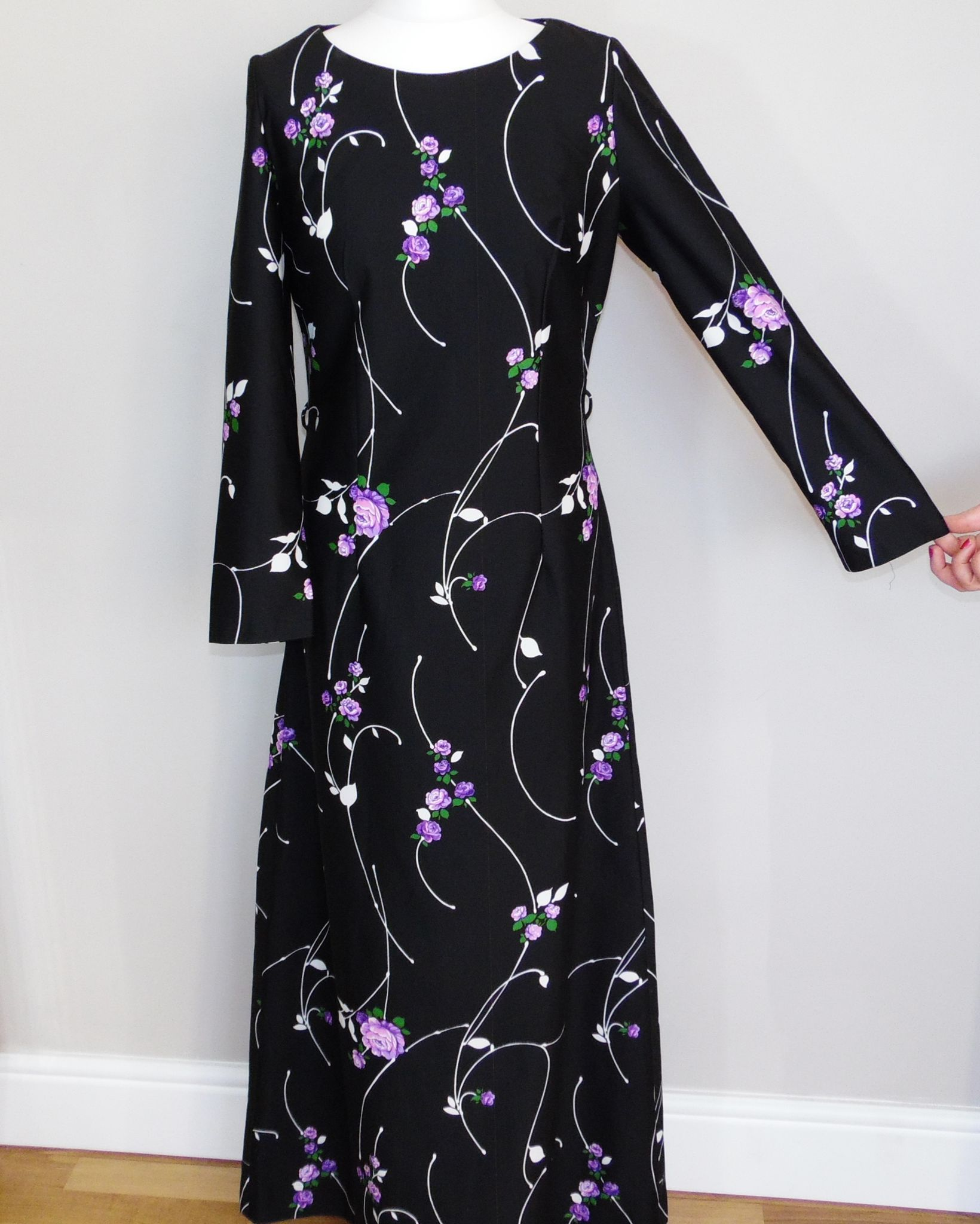 Maxi dresses are perfect for spring this long black maxi dress with