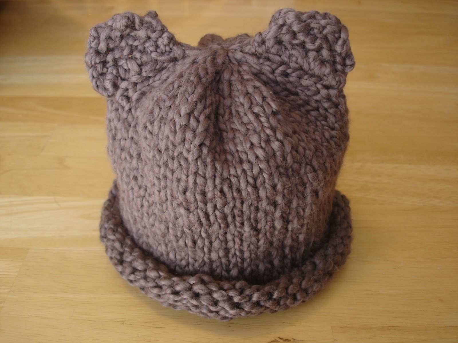 Easy Preemie Hat Knitting Pattern : Baby Bear Hat -- good basic pattern for roll bottom ...