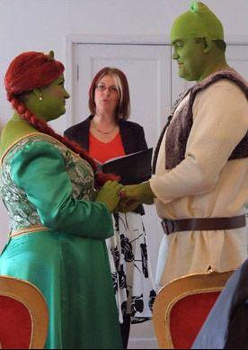 Shrek Wedding Awkward Wedding Photos Awkward Photos Awkward Family Photos