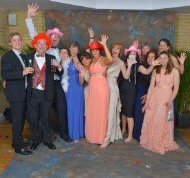 Primer premio Categoria B: Baile y cena de caridad