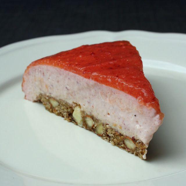 Madlaboratoriet: Nektarin-cheesecake på havrebund med hvid chokolade, mandler og lakrids