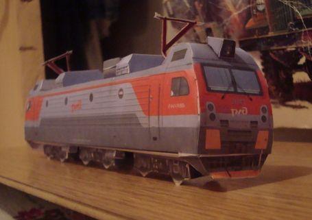 EP1M Locomotive Free Train Paper Model Download