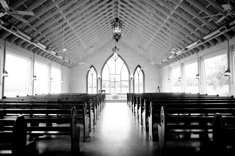 Dallas wedding photographer, Mary Fields Photography, black and white wedding pictures, chapel wedding ceremony venue