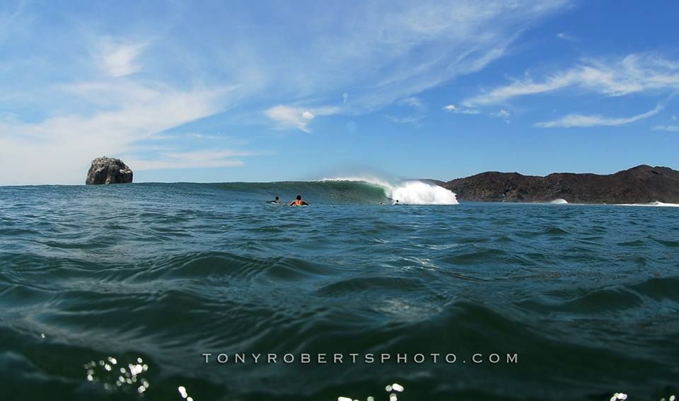 REAL classic sesh at The Rock! @tonyrobertsphoto @realsurftrips www.realsurftrips.com