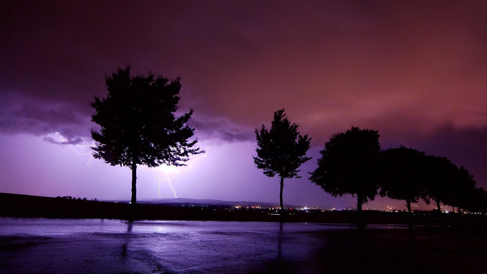 Distant Lightning Hd Wallpaper Lightning Photos Lightning Sky Storm Wallpaper