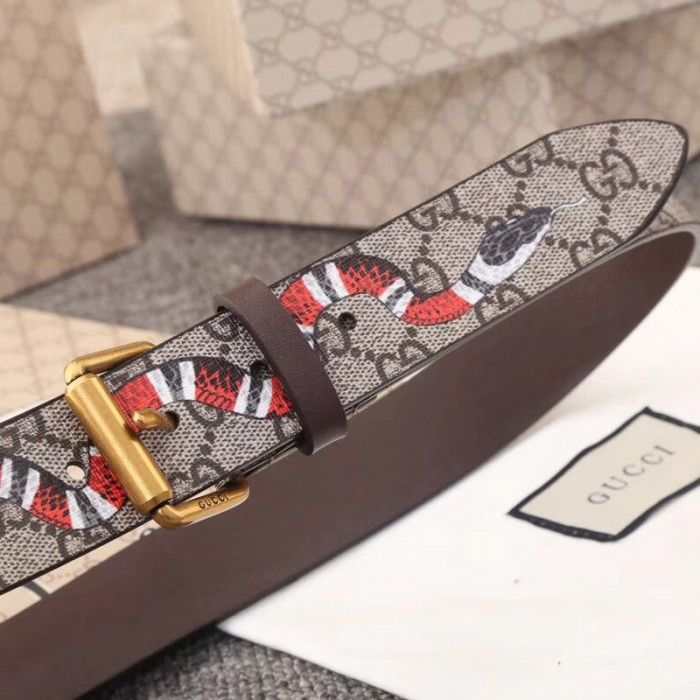 76c5c58d963 Gucci GG Supreme belt with Kingsnake print 434520