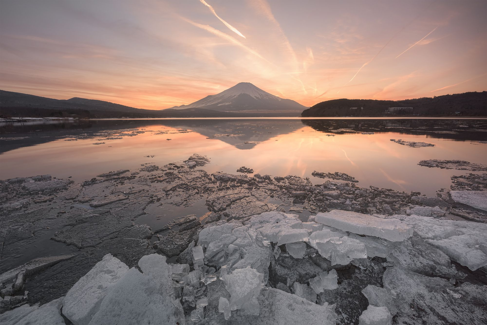 Photo by : Ryuhei Hosomi . Follow us for amazing posts! #PASHADELIC #FUJIdelic . . #light_nikon #nikond810 #mtfuji #fujiyama #fujisan #photography #photooftheday #nature #naturephotography #landscape #landscapephotography #japan #japan_of_insta #japanphoto #igers #ig_japan #mountain #mountains #mountainphotography #富士山 #富士 #山