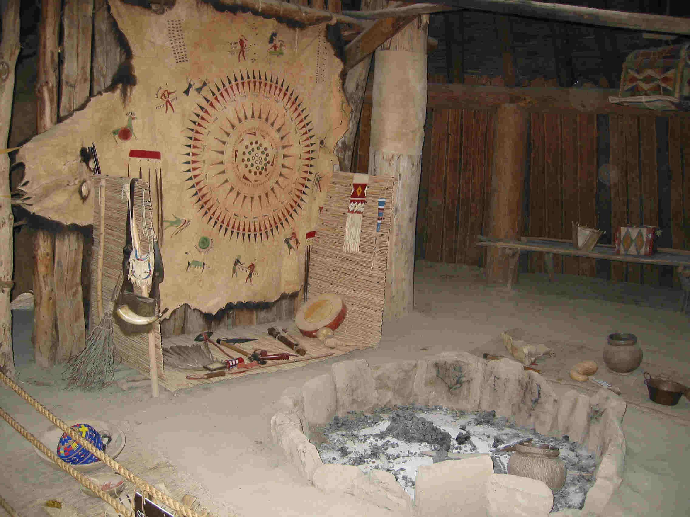 http://www.trailsandtreasures.com/images/North%20Dakota/Knife%20River%20Indian%20Villages/169-6953_IMG.JPG