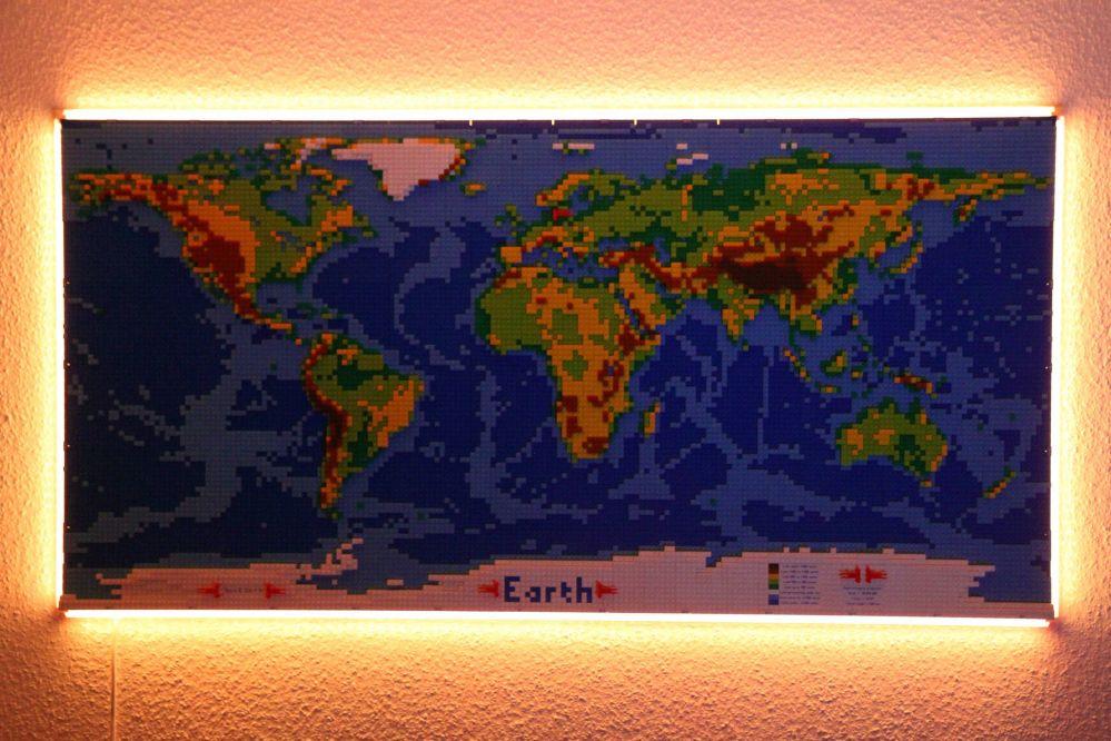 Cartina Mondo Lego.Tenete Traccia Delle Vostre Vacanze Su Questa Enorme Cartina Geografica Lego Lego World Map Lego Geografia Vacanze
