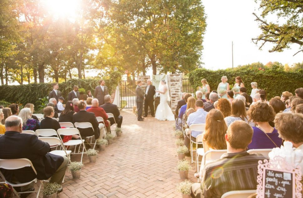 Find Stonewall Farm Wedding Venues One Of Best Barn Wedding Venues Nc Farm Wedding Venue Barn Wedding Venue Farm Wedding
