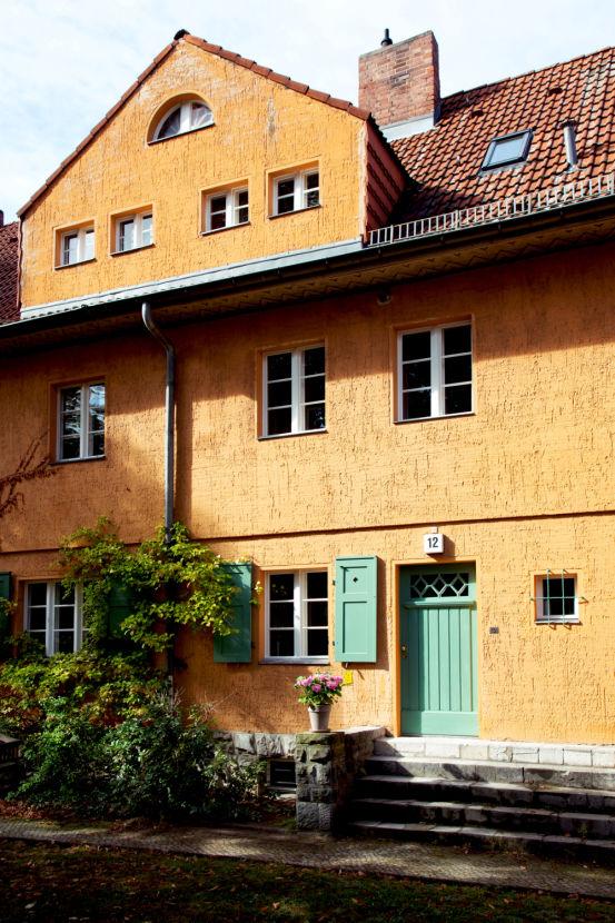 Kleines Reihenmittelhaus In Grunewald Style At Home Haus Immobilien